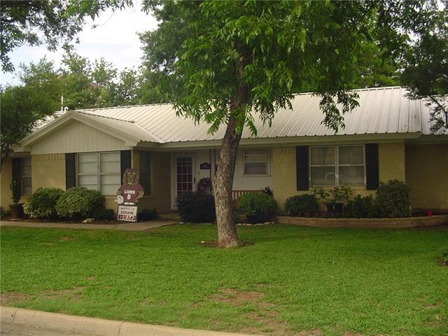 2002 7th St, Brownwood, TX