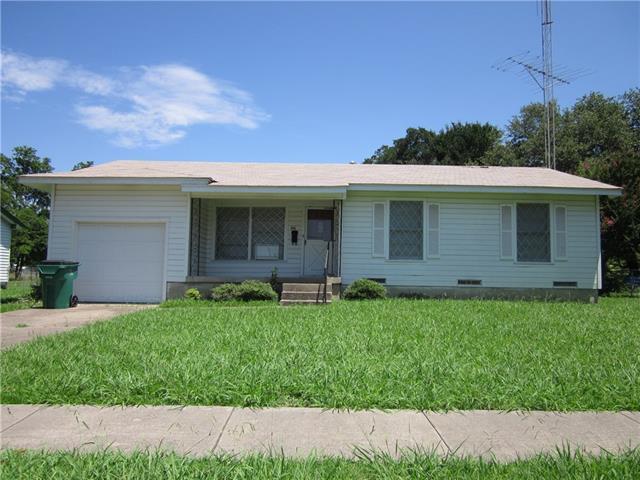 1414 Tremont St Greenville, TX 75401