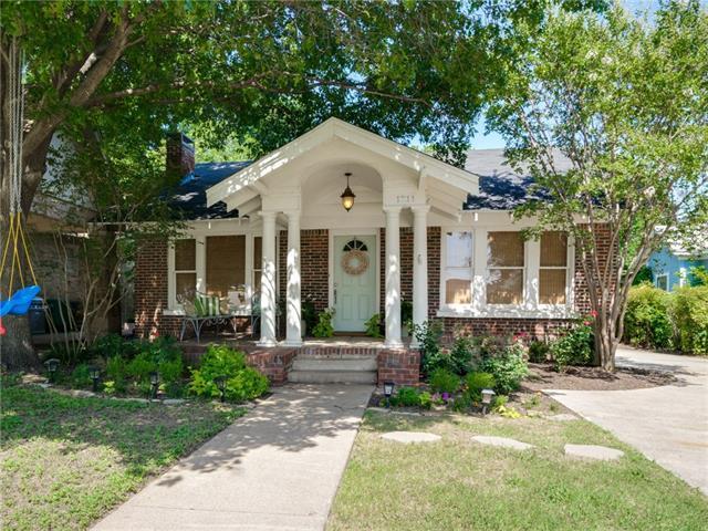 1711 Thomas Pl Fort Worth, TX 76107
