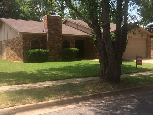 Treeview Dr, Arlington TX