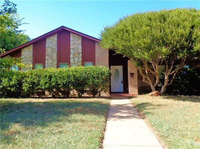 Loans near  Warwick St, Garland TX