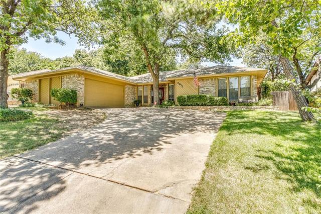 Loans near  Trails Edge Dr, Arlington TX