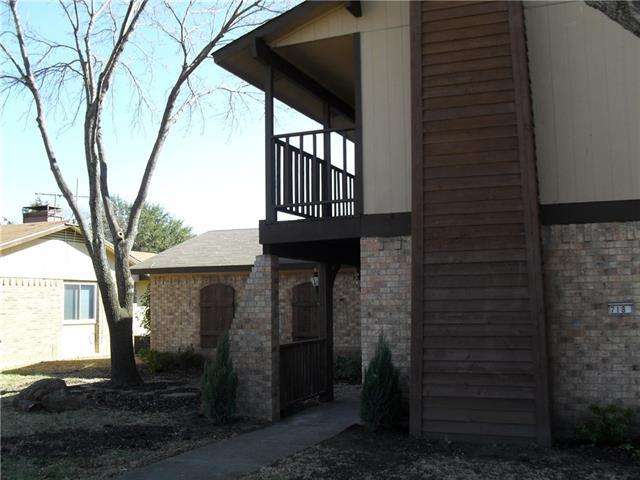 718 Villa Ridge Dr, Garland, TX 75043