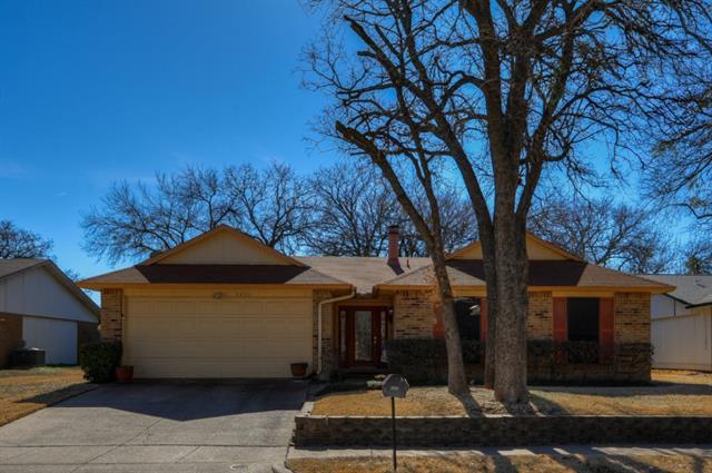3800 Pinewood Street, Bedford, TX 76021