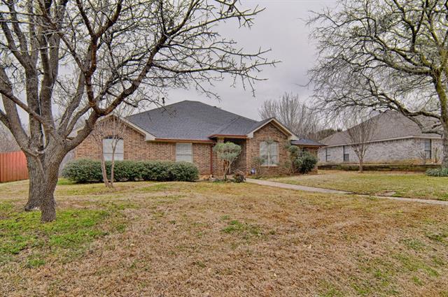 104 Creek Side Ct, Kennedale, TX 76060