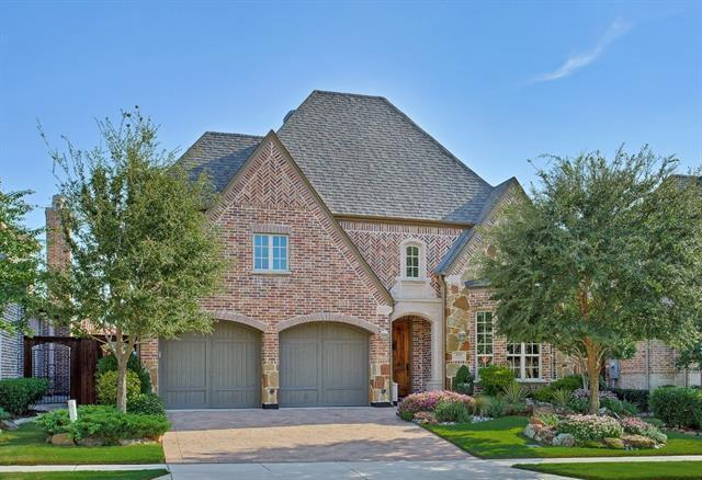 656 clearwater dr irving tx for sale mls 13536346 movoto. Black Bedroom Furniture Sets. Home Design Ideas