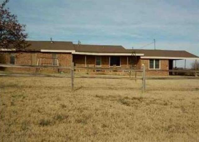 571 Delaware Rd, Levelland, TX 79336