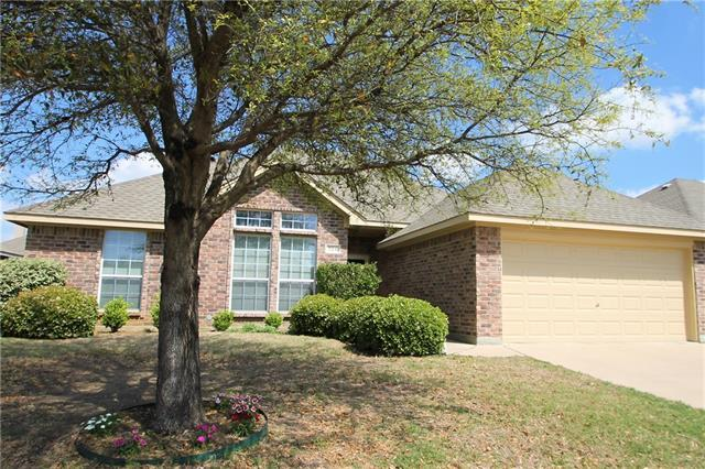 724 Snapper Dr, Burleson, TX 76028