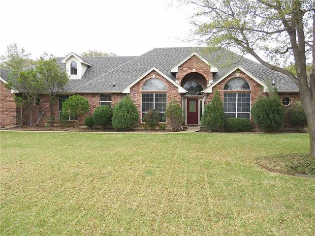 309 Meadow Oaks Dr, Burleson, TX 76028
