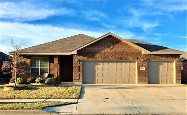 4001 hanna rose ln fort worth tx for sale mls 13561455 for Kitchen cabinets 76244