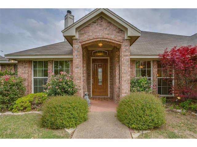 10900 Golfview Way, Benbrook, TX 76126