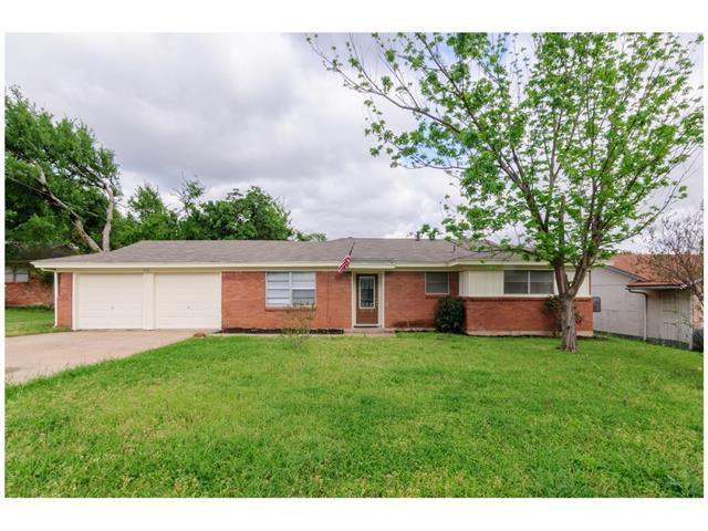 832 Mccurry Ave, Bedford, TX 76022