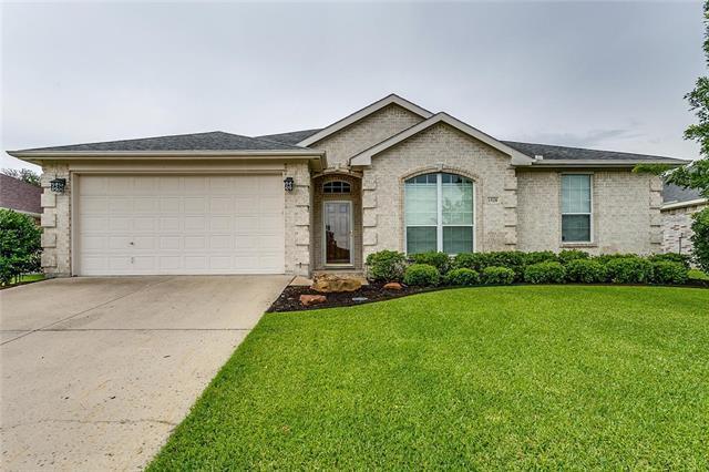 1528 Vernon Castle Ave, Benbrook, TX 76126