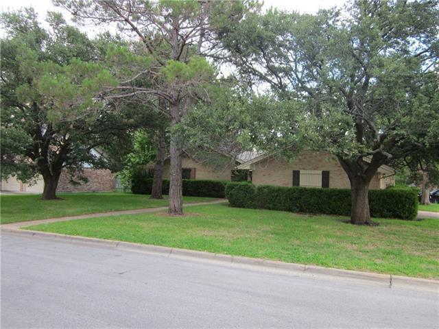 8021 Longford St, Benbrook, TX 76116