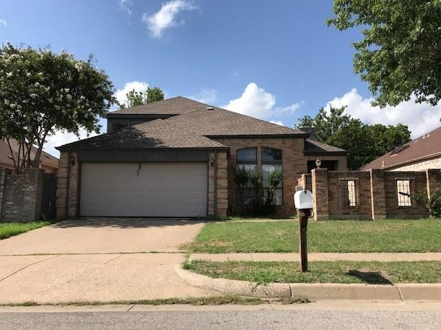 1917 Realistic Dr, Bedford, TX 76021