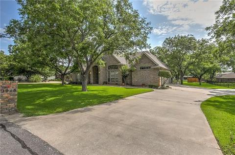8925 Bellechase Rd, Granbury, TX 76049