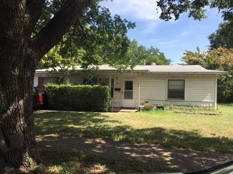 1107 Hensley St, Arlington, TX 76010