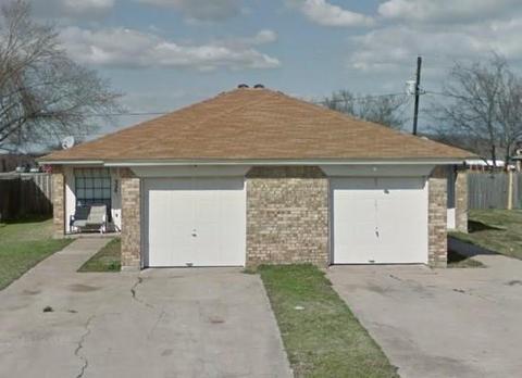 324 Spring Branch Ln, Kennedale, TX 76060