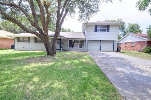 5740 Wimbleton Way, Fort Worth, TX 76133
