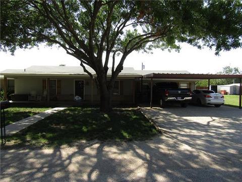 818 Lee Ct, Tuscola, TX 79562