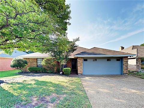 3817 Huntwick Dr, Fort Worth, TX 76123