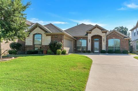 7100 Brekenridge Dr, Fort Worth, TX 76179