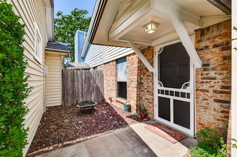 3300 Green Ridge St, Fort Worth, TX 76133