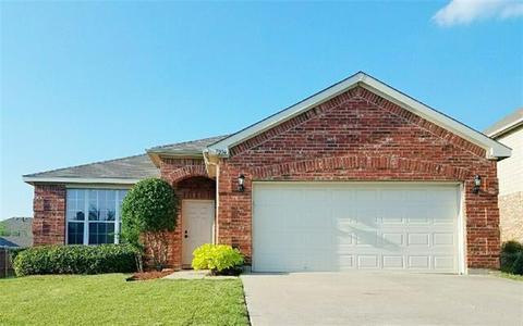 7004 Lindentree Ln, Fort Worth, TX 76137