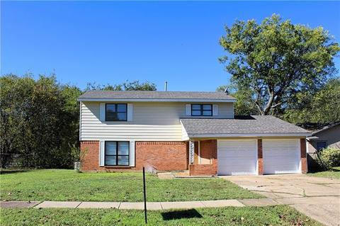 Excellent 842 Tuskegee St Grand Prairie Tx 75051 Mls 13961102 Complete Home Design Collection Papxelindsey Bellcom