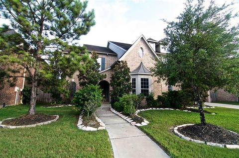 263 Homes For Sale In Seven Lakes High School Zone