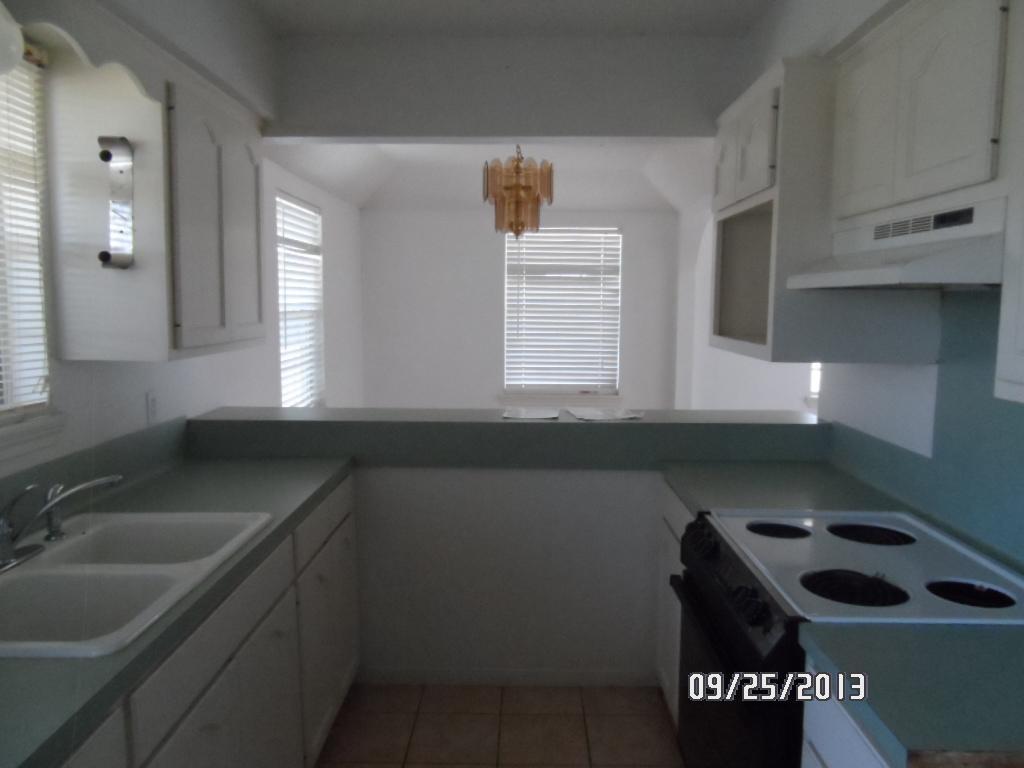 387 Stovall, Palacios TX 77465