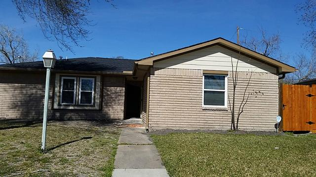 4026 Simsbrook Dr, Houston, TX