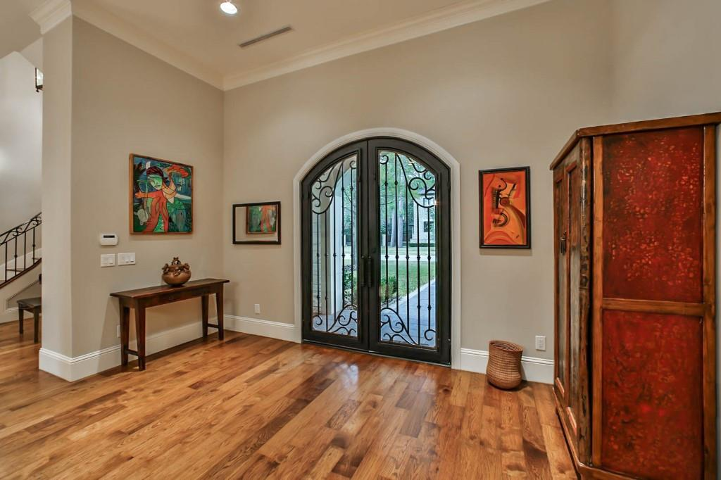 711 Timber Hill Dr, Houston, TX