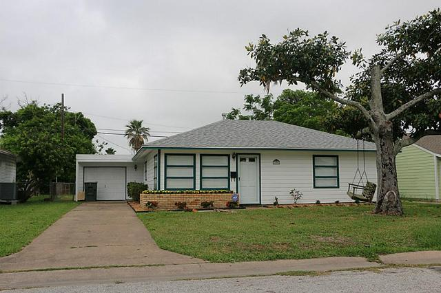 106 Pompano Ave, Galveston, TX