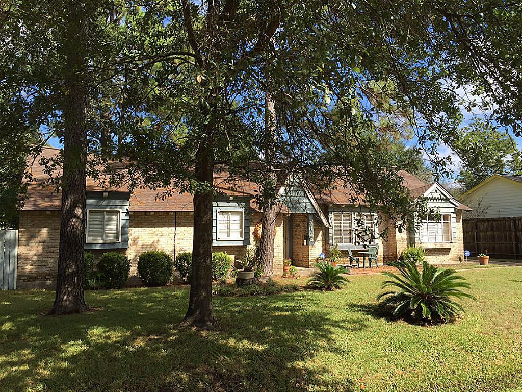 9134 Western Dr, Houston, TX