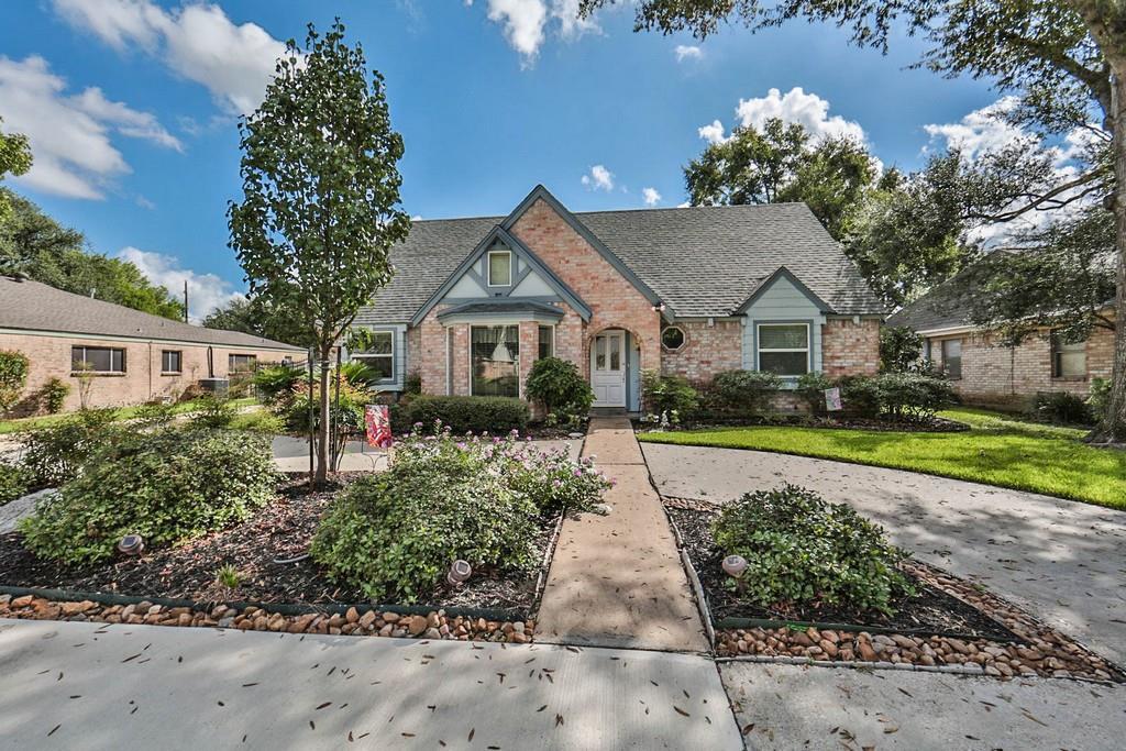 15506 Chichester Ln, Houston, TX