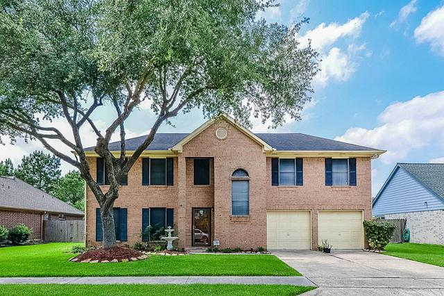 2208 Lady Leslie Ln, Pearland, TX