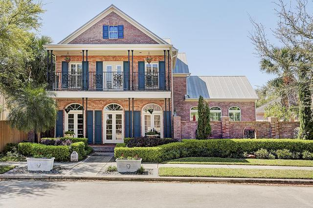 501 Harborside Way, Kemah, TX