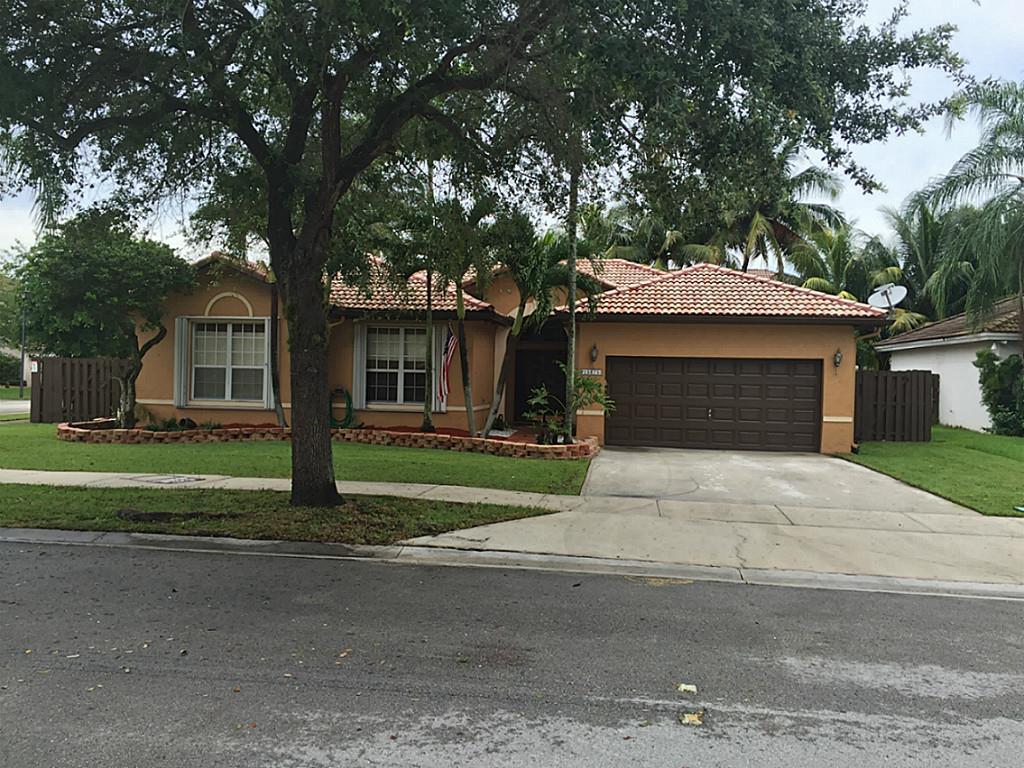 15875 SW 149 Ln Miami, FL 33196