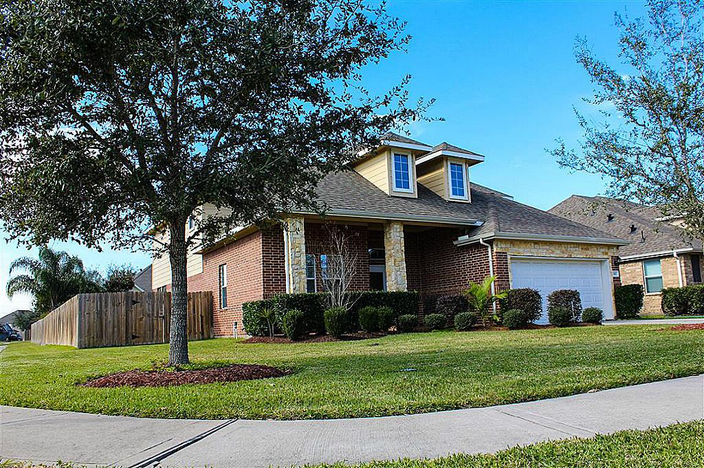 801 Walnut Pointe, League City, TX