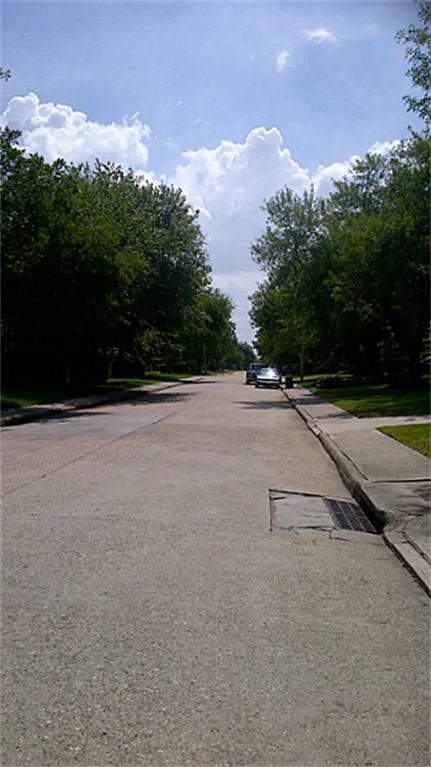 7121 Greenyard Dr, Houston TX 77086