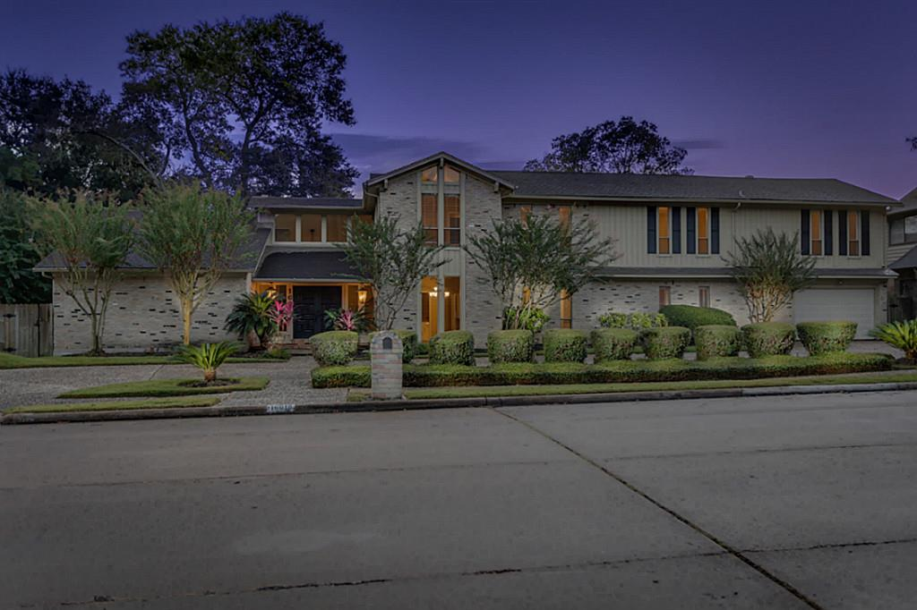 16018 Brook Forest Dr, Houston, TX