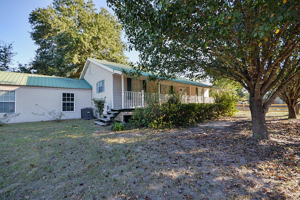 26859 E River Rd, Splendora, TX