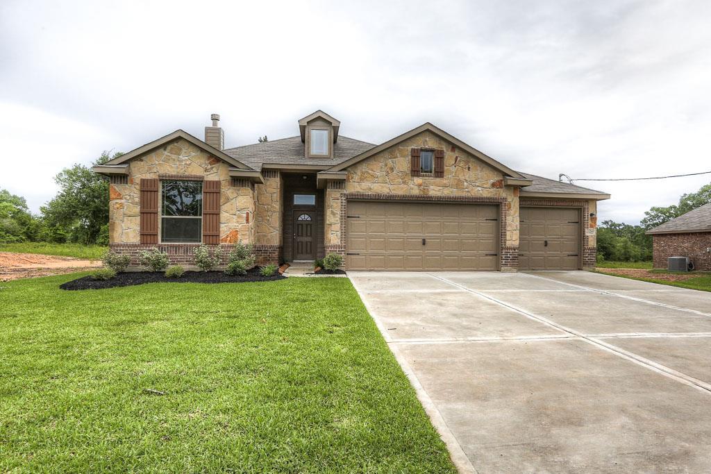 13327 Hidden Manor Ct, Willis, TX