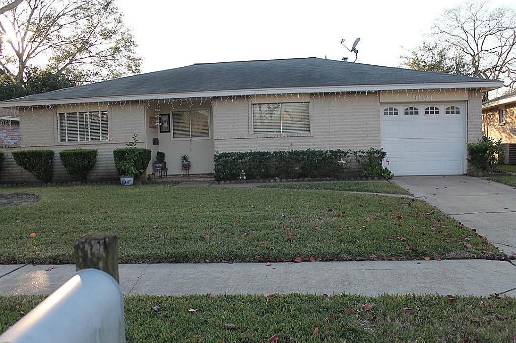 9631 Shady Tree, Houston, TX