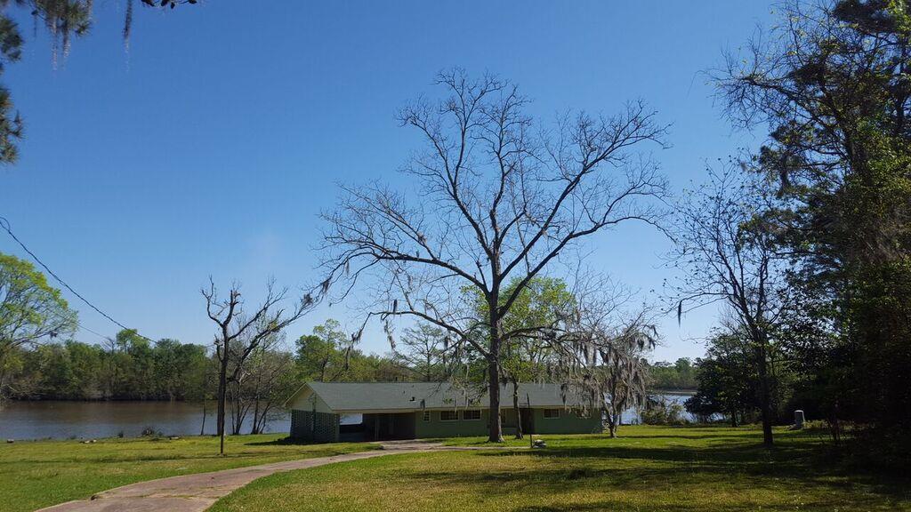 163 N Deer Lake Rd, Huffman, TX