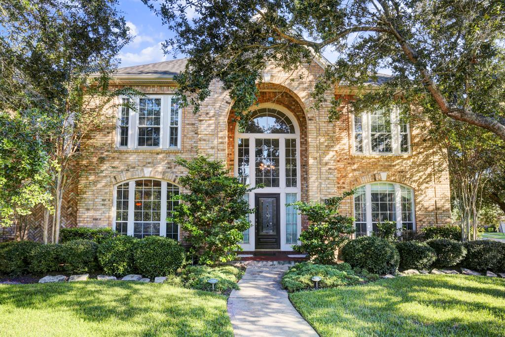 513 Eagle Lakes Dr, Friendswood, TX