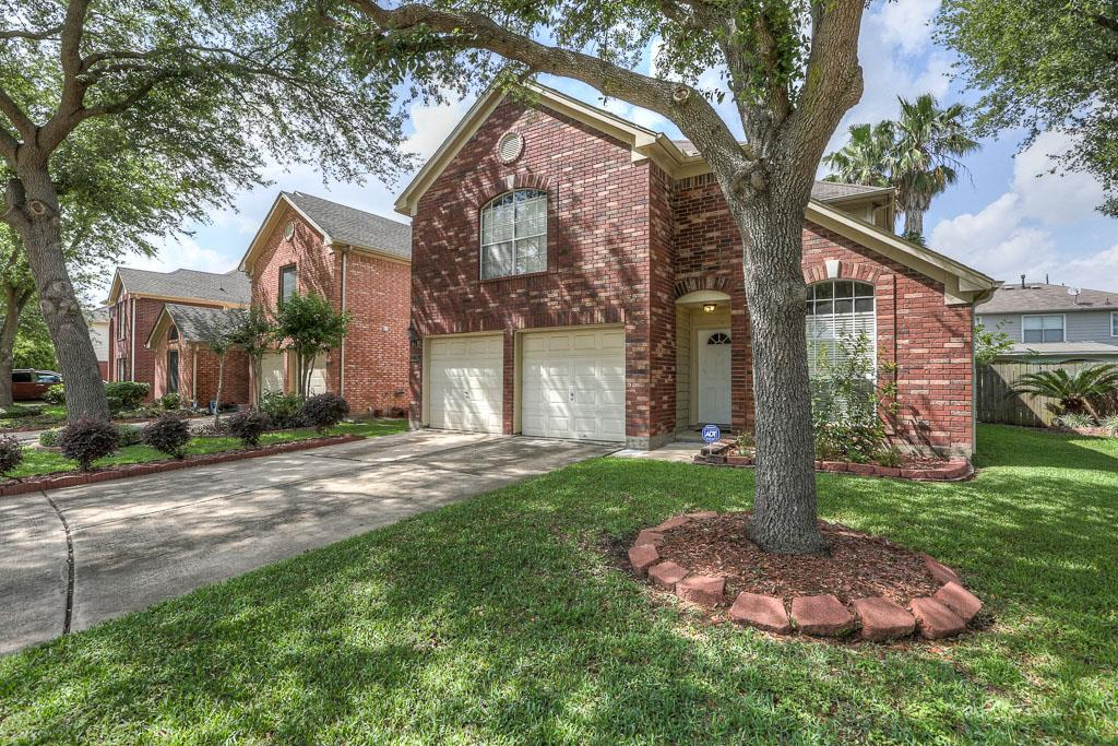 8738 Fondren Village Dr, Houston, TX