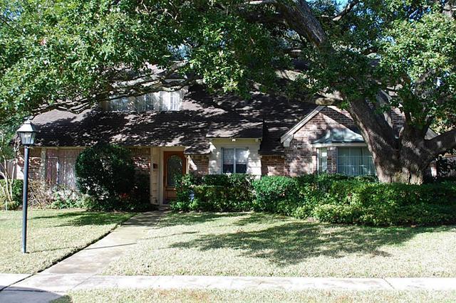 12458 Woodthorpe Ln, Houston TX 77024