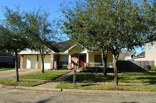 1023 Bayhill Dr, Sugar Land, TX